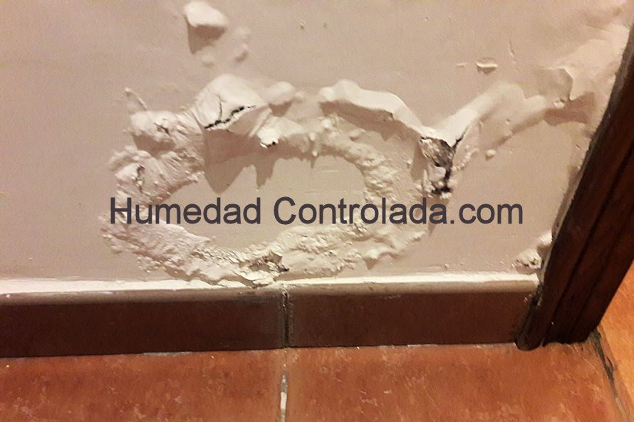 Cortar las paredes para eliminar las humedades por - Quitar humedad pared ...